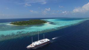 Schiff im Riff Tauchsafarischiff Nautilus Two