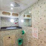 Badezimmer Tauchsafarischiff Golden Dolphin 2