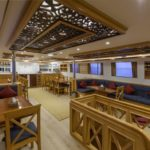 Salon Tauchschiff Golden Dolphin 1