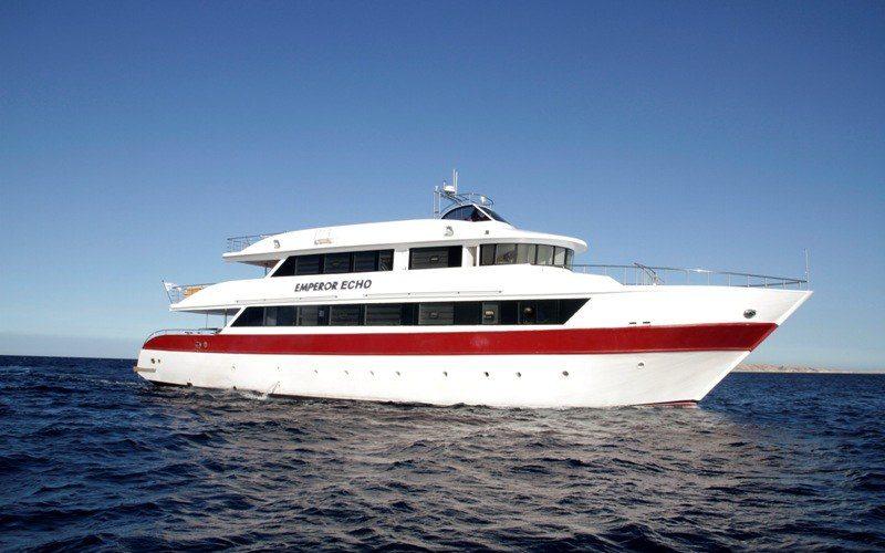 Schräganischt Safariboot Emperor Echo
