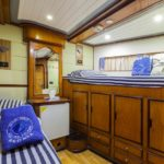 Front-Twinkabine Safarischiff Golden Dolphin 1