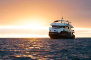 Sonnenuntergang Safarischiff Galapagos Sky