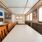 Indoor Essbereich Tauchsafariboot MV Argo