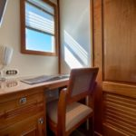 Schreibtisch Safarischiff MV Argo
