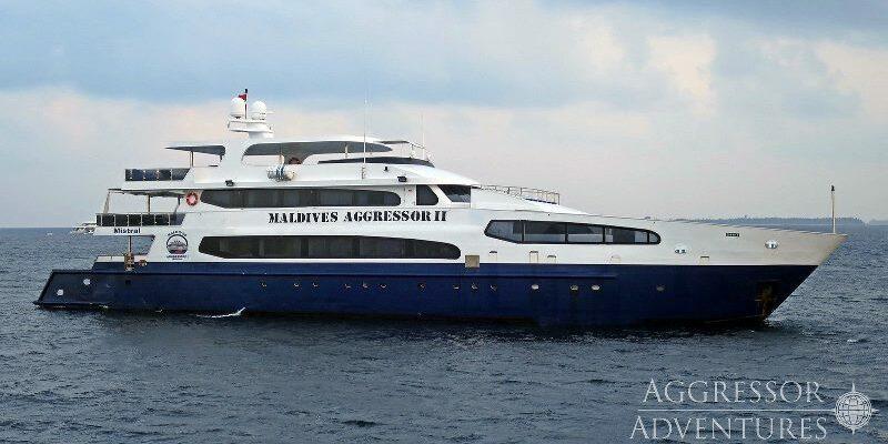 Seitansicht Safarischiff Maldives Aggressor II