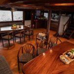 Salon Tauchschiff Amba